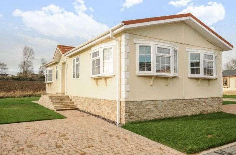 2 Bedrooms Bungalow for sale in Prestige Sonata (45 x 20)