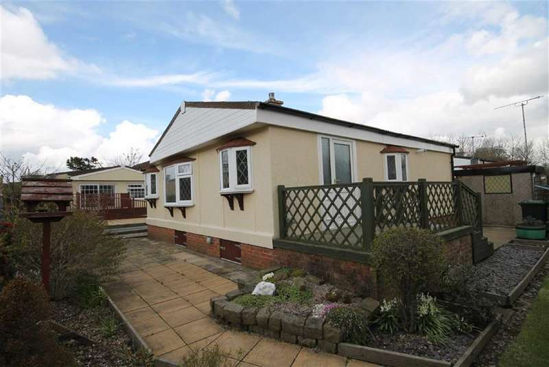 2 Bedrooms Property for sale in Roundhouse Farm, Rakewood, Littleborough