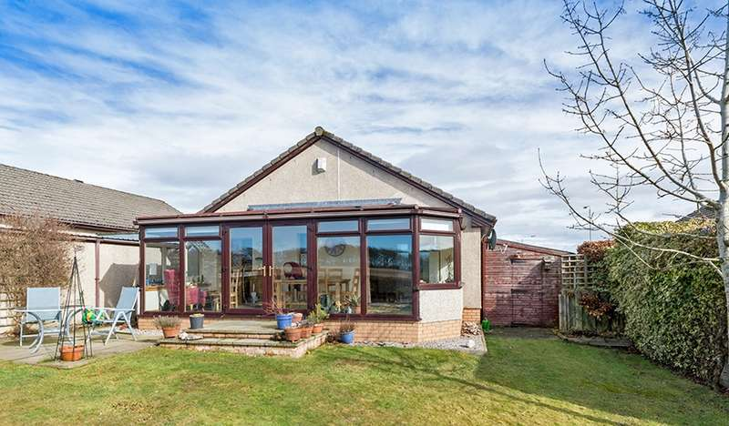 4 Bedrooms Bungalow for sale in Roman Road, Westmuir, Angus, DD8