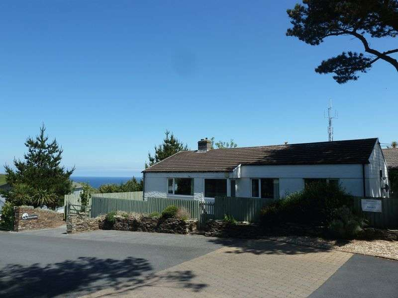 3 Bedrooms Detached Bungalow for sale in Old Borough Farm, Tintagel