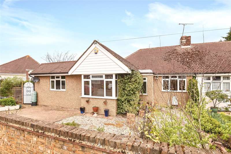 3 Bedrooms Semi Detached Bungalow for sale in Herlwyn Avenue, Ruislip, Middlesex, HA4