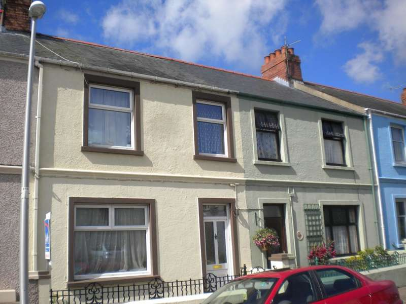 3 Bedrooms Terraced House for sale in Stratford Road, Milford Haven, Pembrokeshire