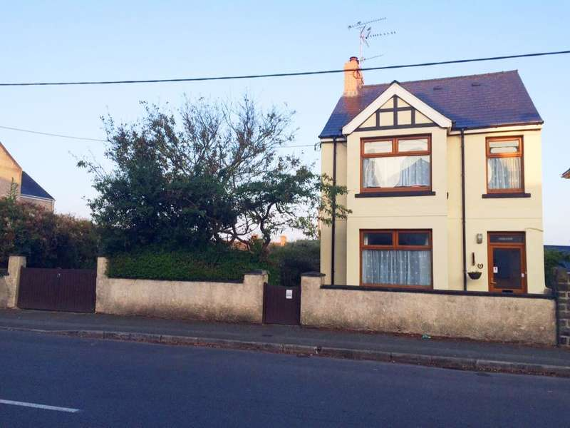 3 Bedrooms Detached House for sale in Priory Road, Milford Haven, Pembrokeshire