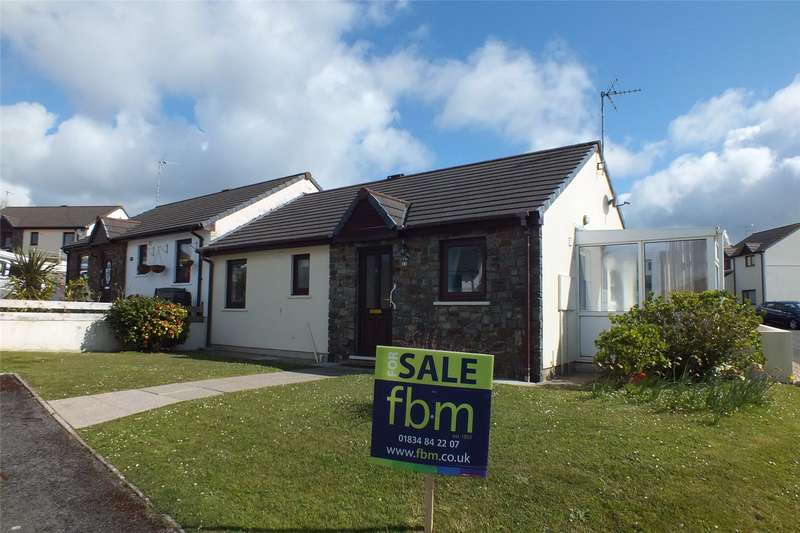 2 Bedrooms Semi Detached Bungalow for sale in Oakfield Drive, Kilgetty, Pembrokeshire