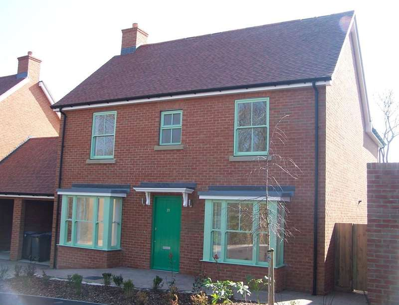 4 Bedrooms Detached House for sale in Elmwood Park, Woodnesborough, Sandwich, CT13