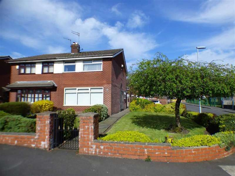 3 Bedrooms Property for sale in Taunton Road, Chadderton, Oldham
