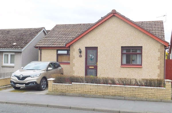 2 Bedrooms Bungalow for sale in Keltyhill Road, Kelty, KY4