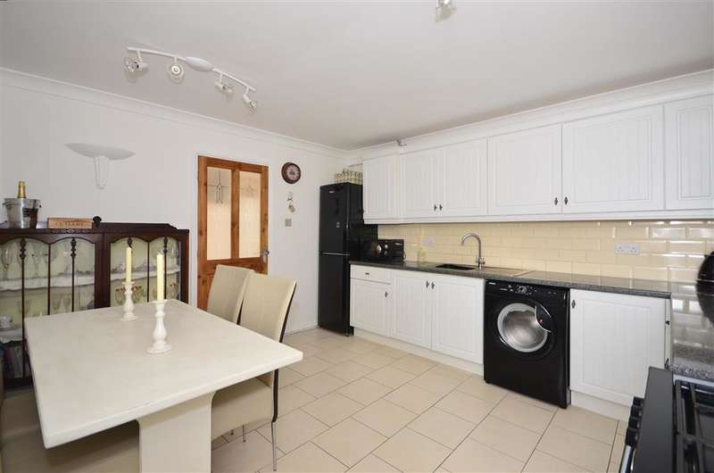 2 Bedrooms Ground Flat for sale in High Street, Deal, Kent