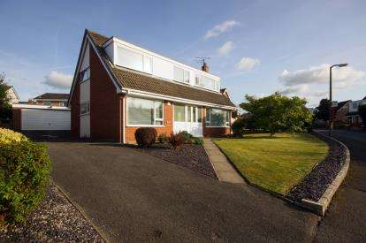 4 Bedrooms Detached House for sale in Troon Way, Colwyn Bay, Conwy, LL29