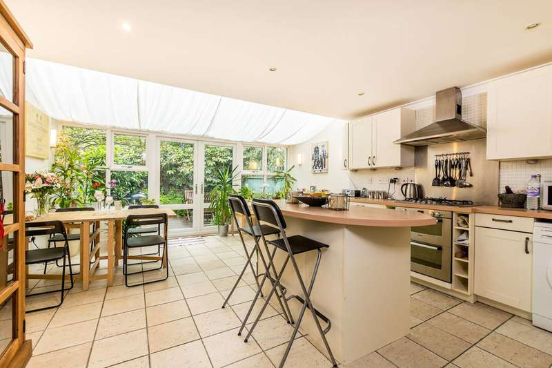 3 Bedrooms House for sale in Abbey Mews, Isleworth, TW7