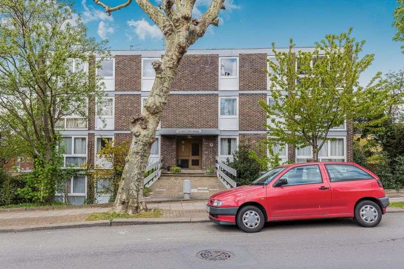 2 Bedrooms Flat for sale in Westleigh Avenue, London - SW15