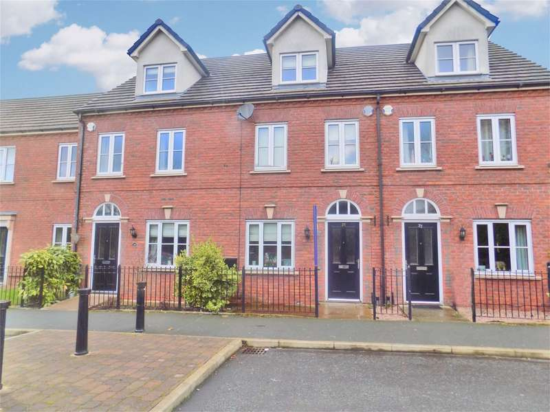 3 Bedrooms Town House for sale in Ashworth Street, Elton, Bury, Lancashire