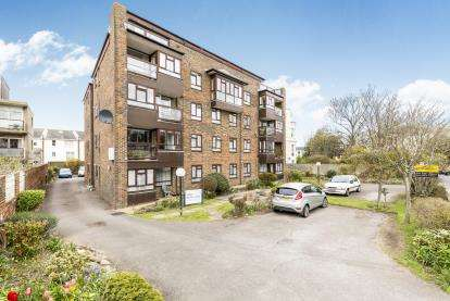 2 Bedrooms Flat for sale in 16 Eastern Villas Road, Southsea, Hampshire
