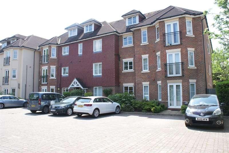 4 Bedrooms Flat for sale in Oakwood Grange, 26 Oatlands Chase, Weybridge, Surrey, KT13