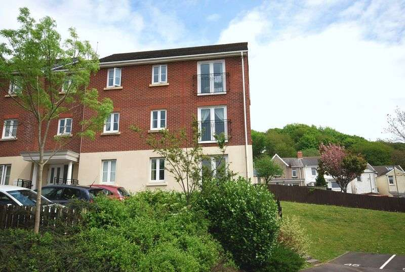 2 Bedrooms Flat for sale in 43 Geraint Jeremiah Close, Briton Ferry, Neath, SA11 2JY