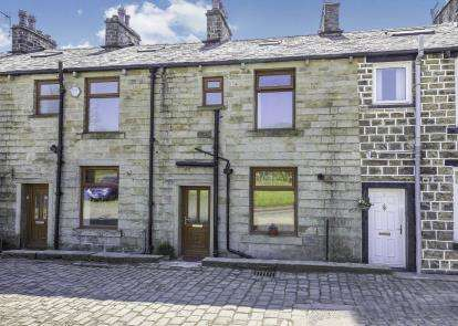 3 Bedrooms Terraced House for sale in Albert Street, Lumb, Rossendale, Lancashire, BB4