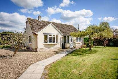 3 Bedrooms Bungalow for sale in Woolavington, Bridgwater, Somerset