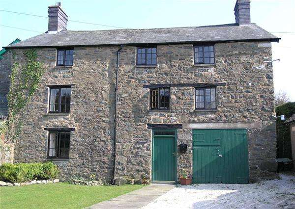 4 Bedrooms Semi Detached House for sale in Glyndwr House, Pandy Lane, Other, Llanbrynmair