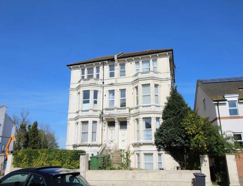 1 Bedroom Flat for sale in London Road, St. Leonards-On-Sea, TN37