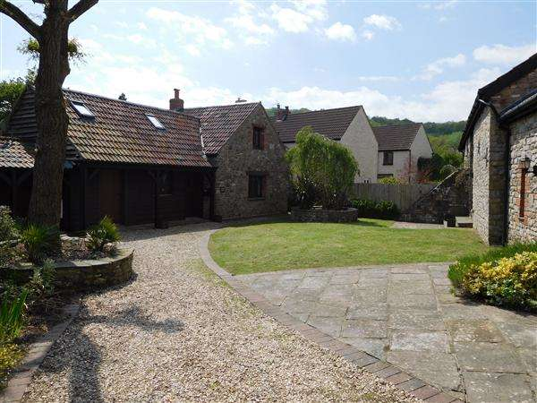 5 Bedrooms Barn Conversion Character Property for sale in Upper Middle Barn & Manor Lodge, St Brides, Netherwent