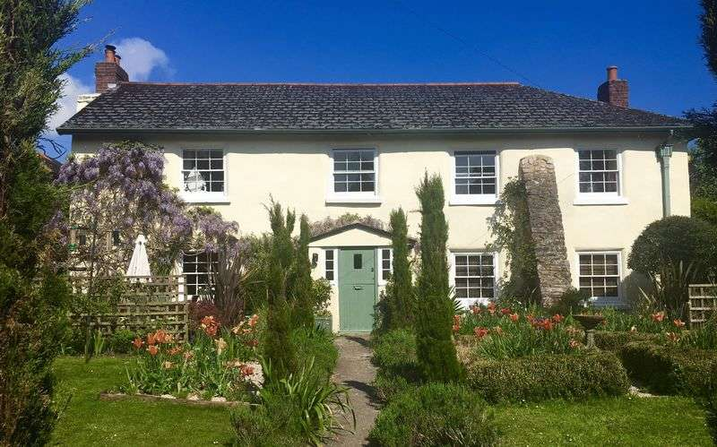 5 Bedrooms Detached House for sale in Whilborough, Newton Abbot