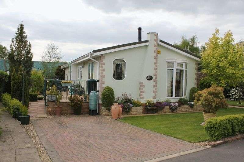 3 Bedrooms Detached Bungalow for sale in Lonsborough Gardens, Langham, Oakham, LE15 7SA