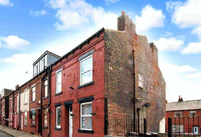 3 Bedrooms House for sale in Clark Terrace, Leeds, LS9