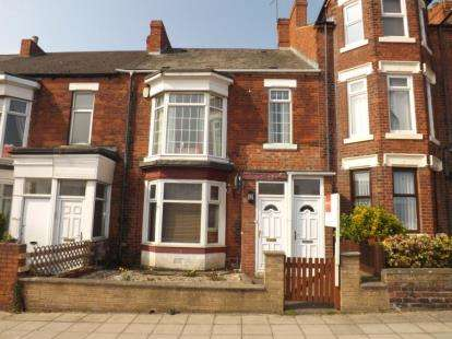 3 Bedrooms Flat for sale in Hartington Terrace, South Shields, Tyne and Wear, NE33