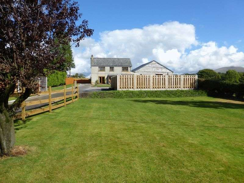3 Bedrooms Detached House for sale in Bontnewydd