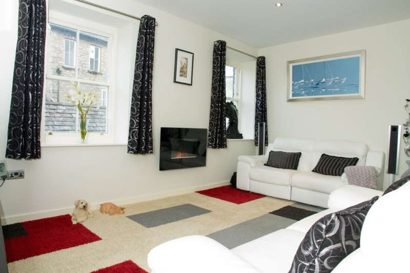 2 Bedrooms Flat for sale in 401 Liberty House, Kendal, Cumbria, LA9 4BU