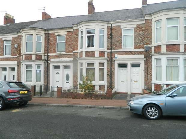 3 Bedrooms Flat for sale in Inskip Terrace, Gateshead, Tyne and Wear