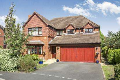4 Bedrooms Detached House for sale in Wrenbury Drive, Kingsmead, Northwich, Cheshire