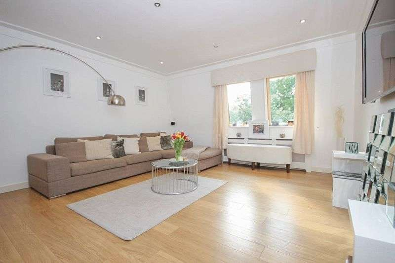 2 Bedrooms Property for sale in Redgrove House, Stonards Hill, Epping, Essex, CM16