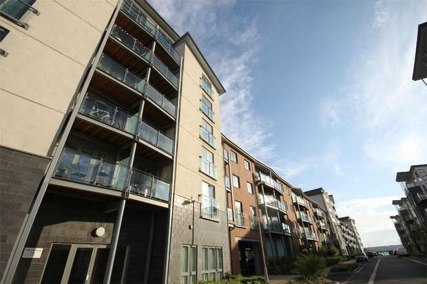 2 Bedrooms Flat for sale in Willbrook House, Worsdell Drive, GATESHEAD, Tyne and Wear
