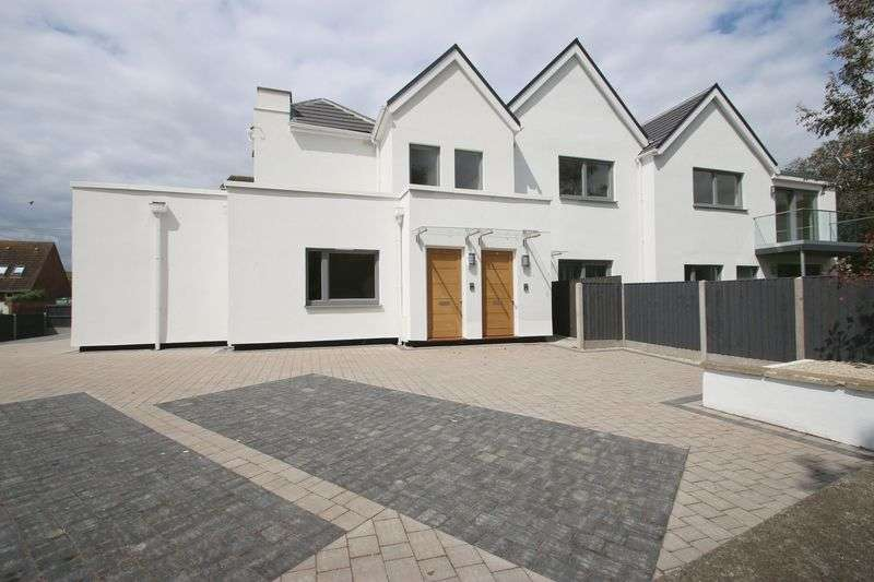 2 Bedrooms Flat for sale in 3, The Gables, Grove Road, Burnham-On-Sea