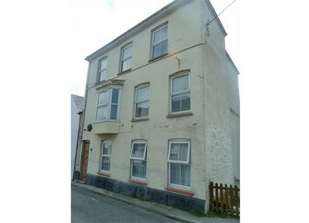 2 Bedrooms Flat for sale in Trevarrack Road, Gulval, Penzance, Cornwall