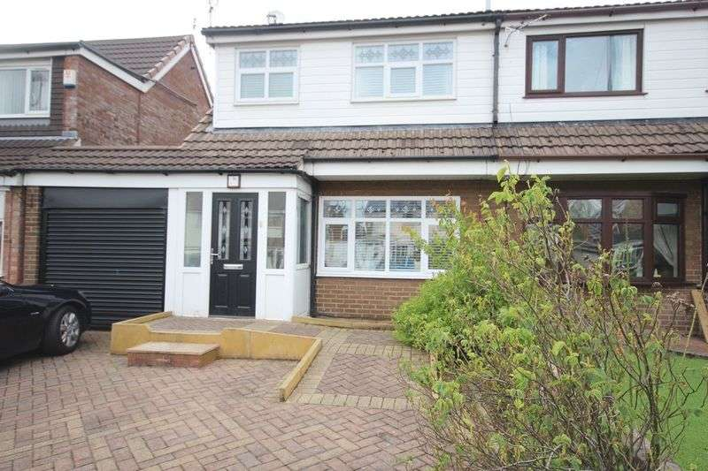 3 Bedrooms Semi Detached House for sale in Hereford Way, Middleton M24 2NL