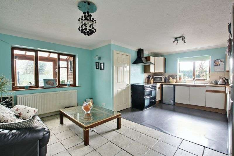 4 Bedrooms Detached House for sale in Station Road, Ottringham