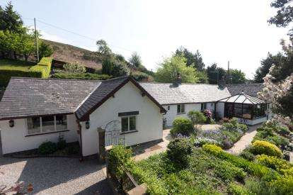 4 Bedrooms Detached House for sale in Llanfairtalhaiarn, Abergele, Conwy, North Wales, LL22