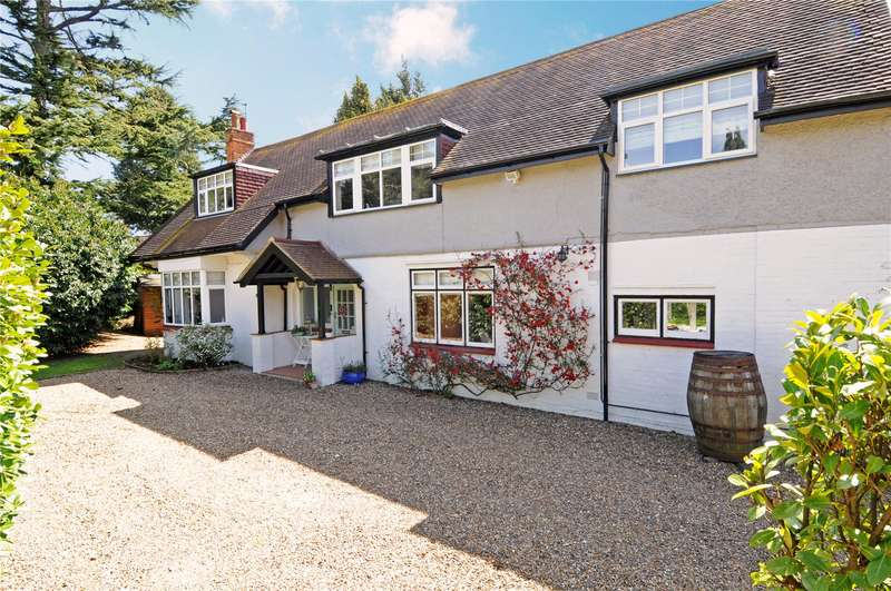 4 Bedrooms Detached House for sale in Grange Road, Leatherhead, Surrey, KT22