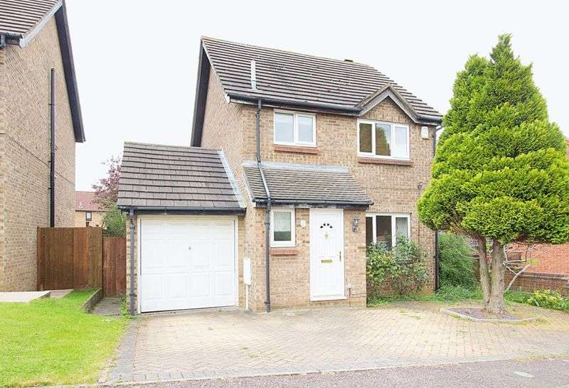 3 Bedrooms Detached House for sale in Bentley Close, Northampton