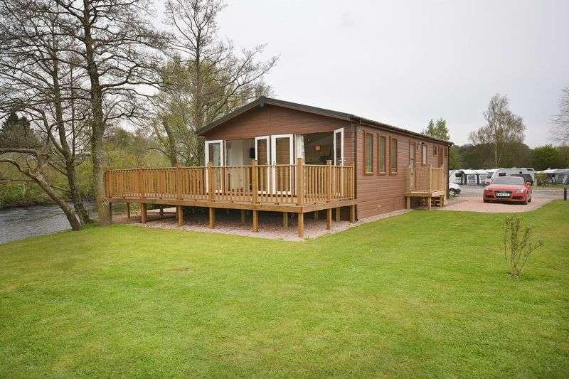 2 Bedrooms Detached Bungalow for sale in Braidhaugh Park, South Bridgend, Crieff