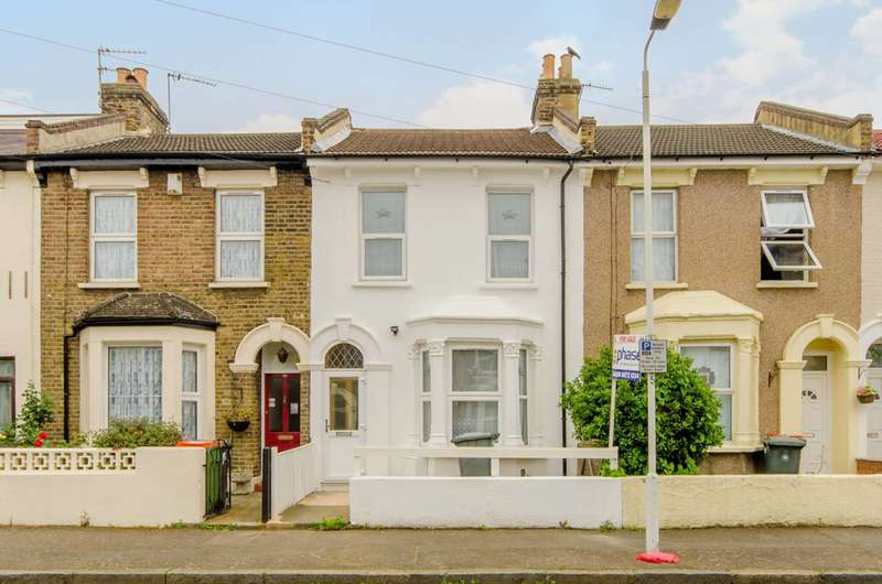 3 Bedrooms House for sale in Evesham Road, Stratford, E15