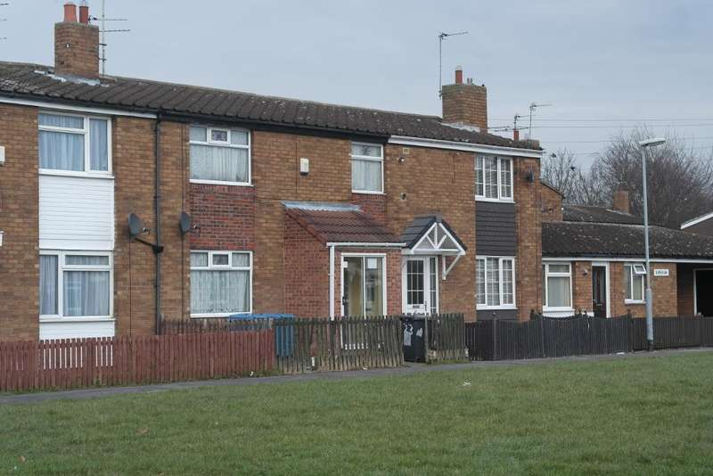 3 Bedrooms Terraced House for sale in Ainshaw, Orchard Park Estate, Hull, HU6 9DG