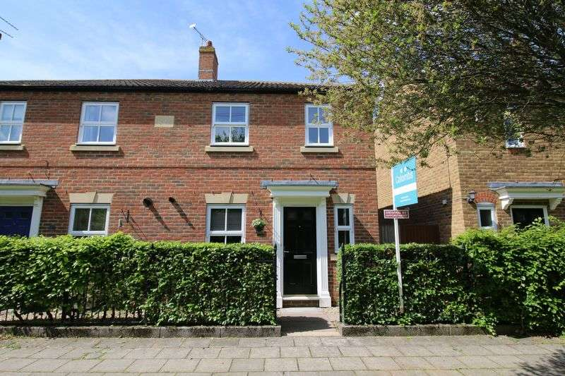 3 Bedrooms Semi Detached House for sale in Cursley Path, Fairford Leys, Buckinghamshire