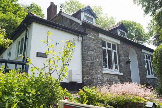 3 Bedrooms Detached House for sale in Ciliau Aeron, Lampeter, Ceredigion
