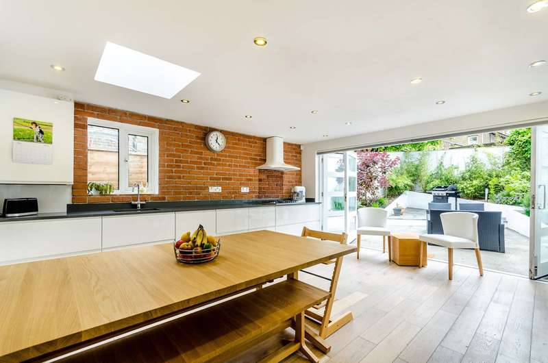 4 Bedrooms House for sale in Branscombe Street, Lewisham, SE13