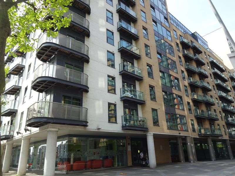 2 Bedrooms Flat for sale in Millharbour, London