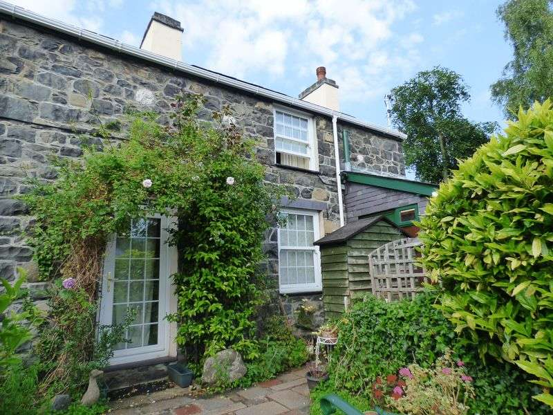 2 Bedrooms Detached House for sale in Mill Road, Llanfairfechan