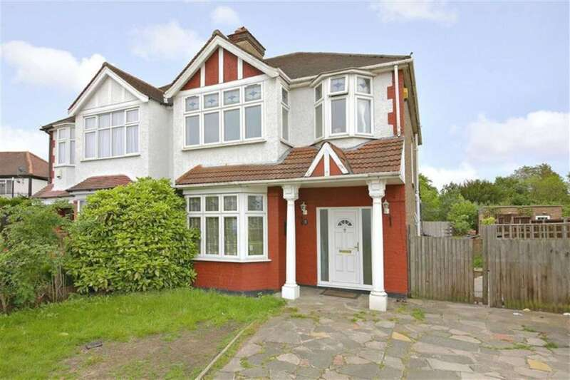 3 Bedrooms Property for sale in Ridge Avenue, Winchmore Hill, London